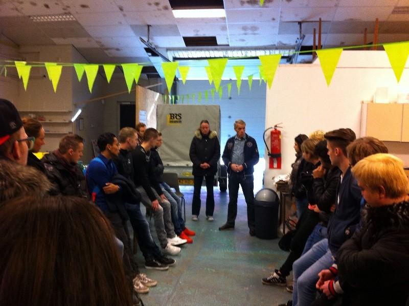 Studenten op bezoek bij Voedselbank Hoogeveen