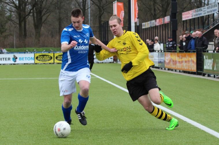 Hoogeveen - SVBO (31-01-2016) (3) - Marco Santing (l) en Rean Bolk (r)