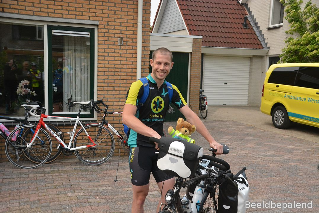 stichting-doe-een-wens-ambulance-wouter-zwiers (01)-1