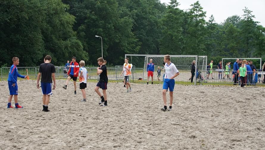 Beach soccer toernooi bij HODO (2)