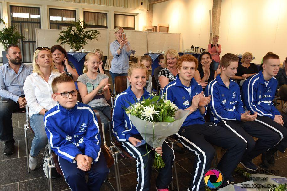 zwemmers-van-vereniging-zpc-gehuldigd (03)-1